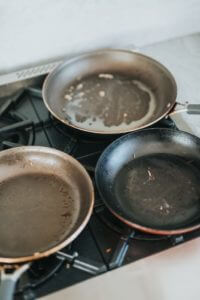 how to clean a roasting pan